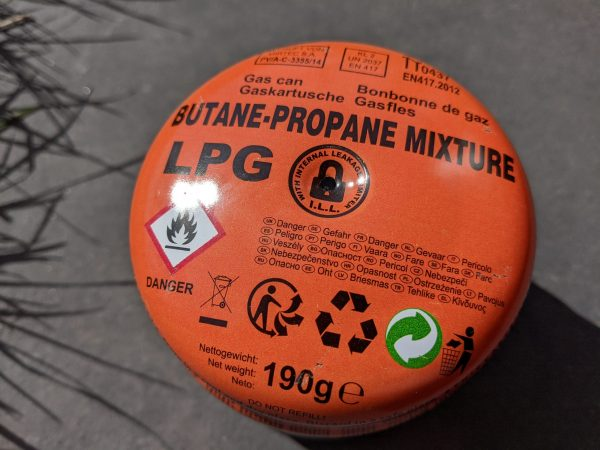 Puncture type gas canister